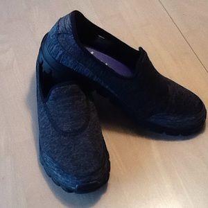 Skechers black/grey NWOB